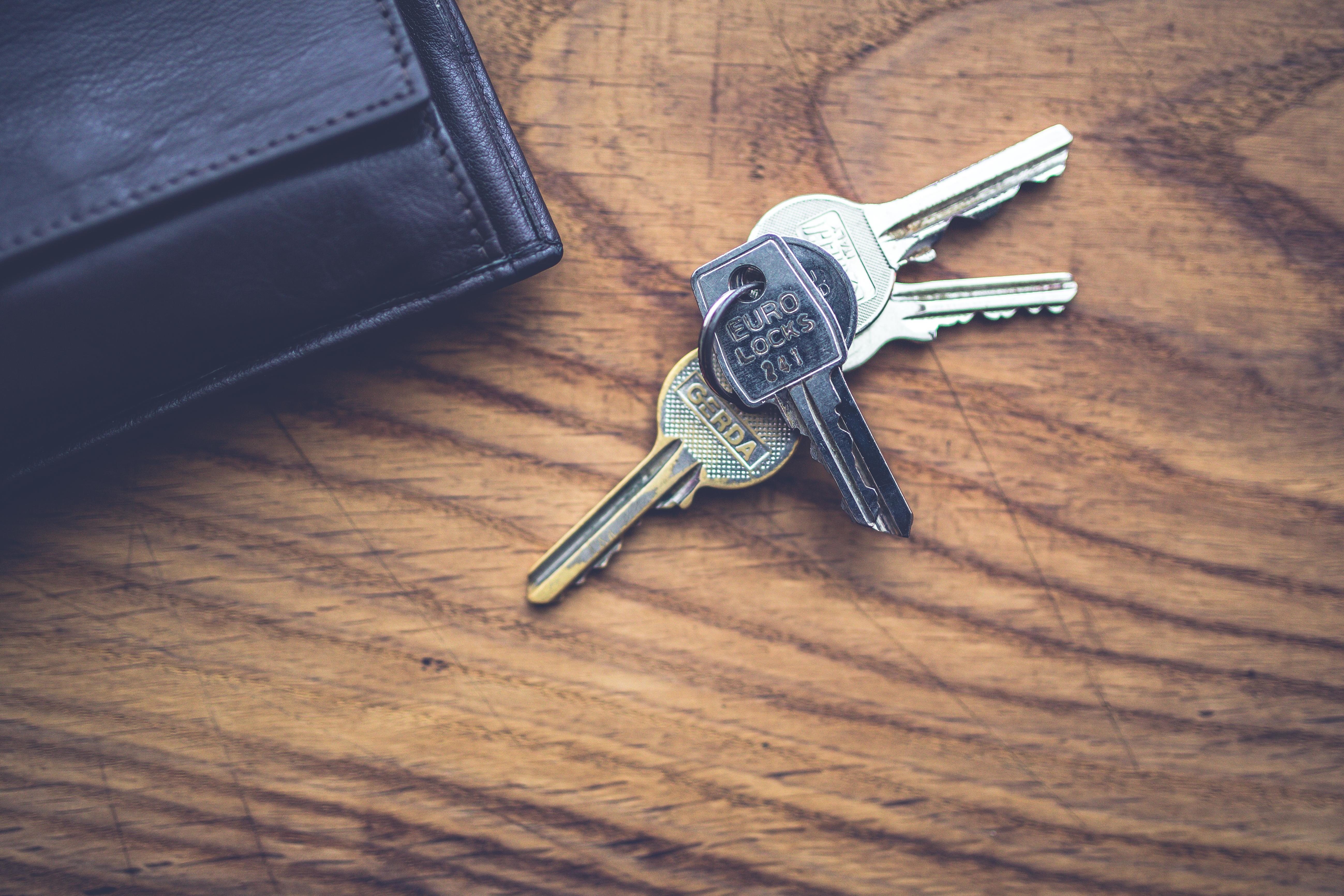 nouveau départ, clefs, changement de vie, voyage, déménagement